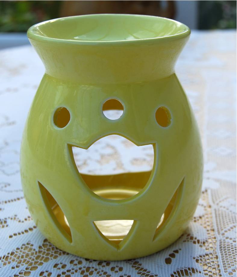 Ceramic Oil Burner ~ Ceramic oil burner yellow design